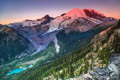 travel usa mountain color tourism beautiful beauty horizontal america sunrise relax landscape dawn volcano washington nationalpark twilight scenery colorful view outdoor relaxing scenic peaceful tranquility landmark glacier explore alpine serenity mountrainier mountrainiernationalpark stunning vista serene volcanic tranquil breathtaking volcaniclandscape sunriserimtrail