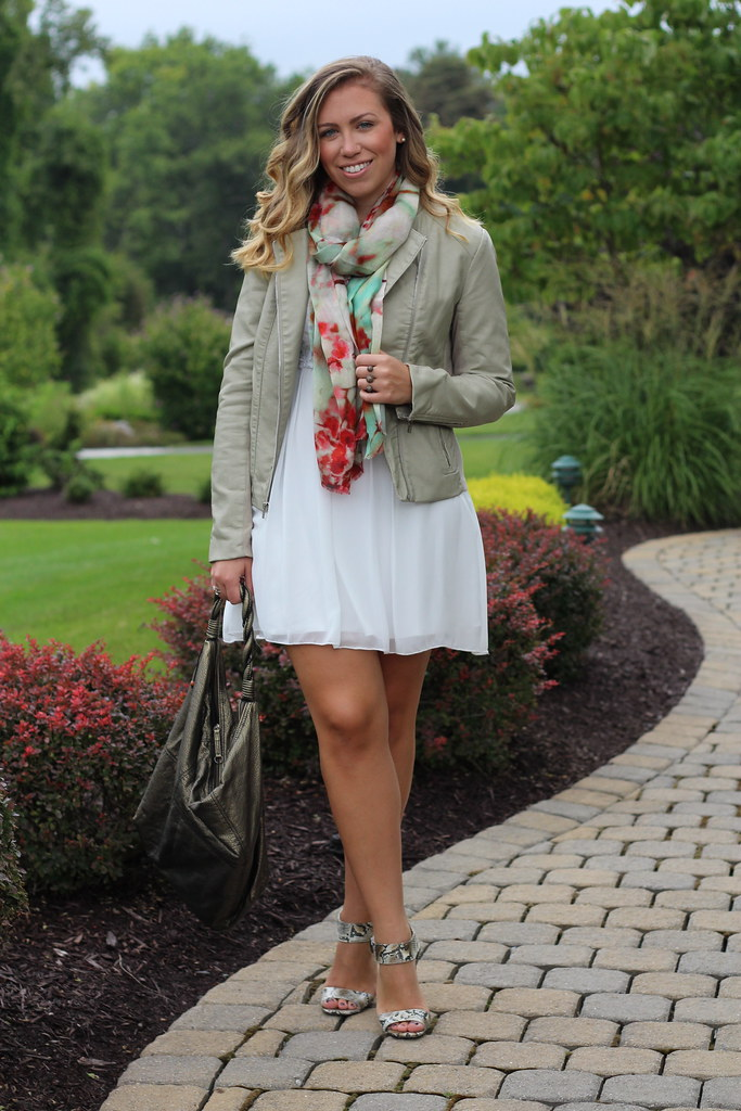 Country Chic Fashion + Giveaway | Outfit | #LivingAfterMidnite