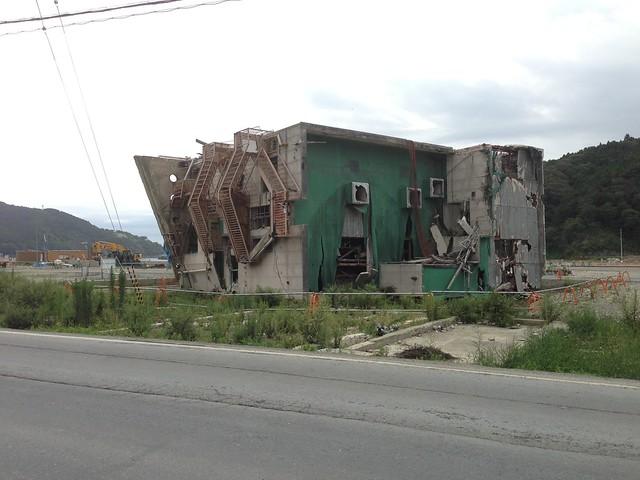 壊れた建物