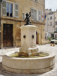 Fontaine - Place des Fontêtes - Aix en Provence
