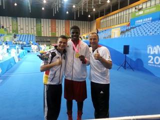 Peter Kadiru holt Gold bei den Olympischen Jugendspielen