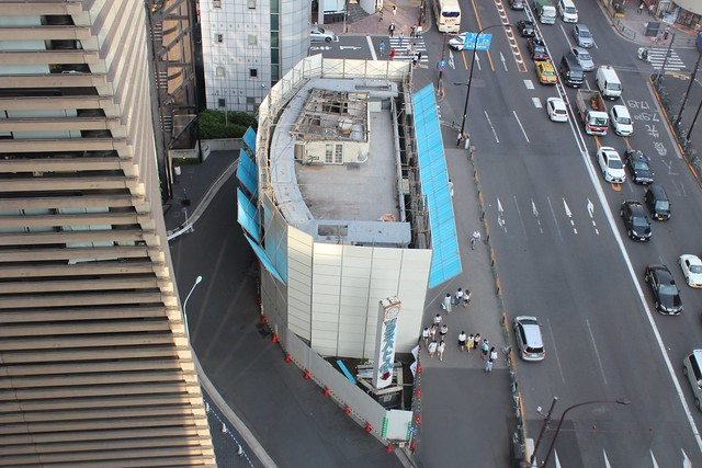 土浦亀城作の三原橋センター解体中 (3)