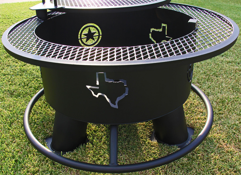 "30"" TEXAS & STARS FATHER-IN-LAW WITH A 1"" SOLE SAVER AND A REGULAR GRILL $595.00"