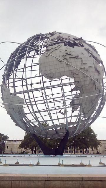 """Globussen """"The Unisphere"""", et levn fra verdensudstillingen i Flushing Meadow Corona Park"""