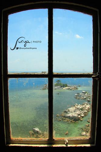 Pemandangan di Sekitar Pulau Lengkuas dari dalam Mercusuar