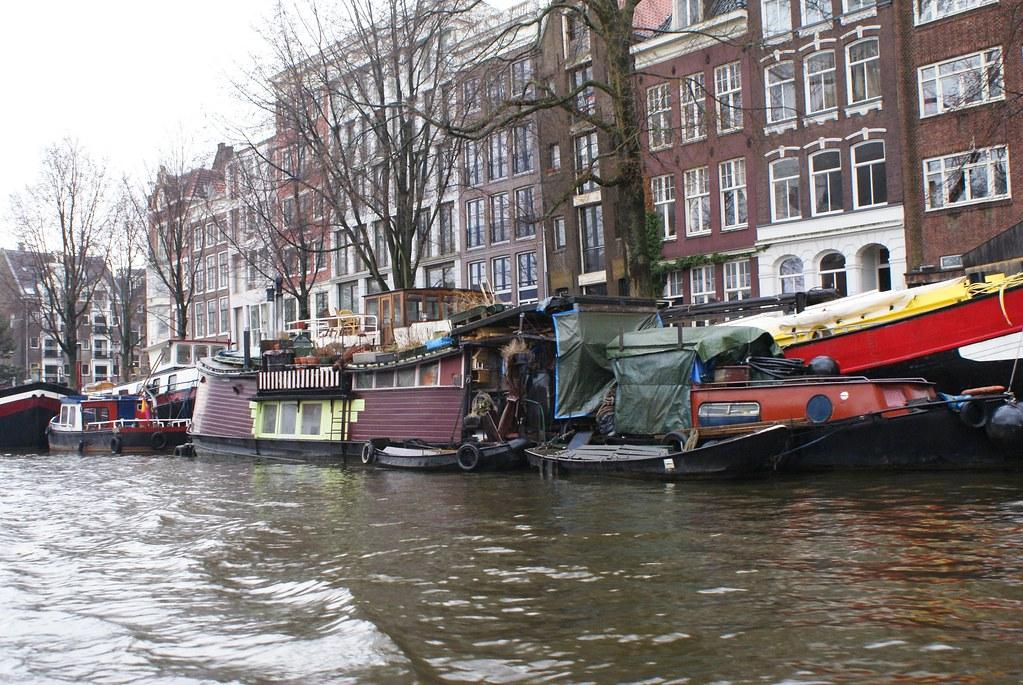 Peniche et vie sur l'eau à Amsterdam.