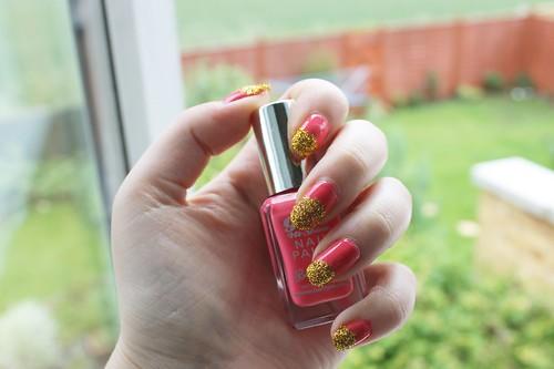 Pink & Glitter Nails