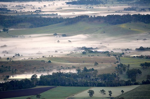 winter mist fog landscape dawn countryside foggy australia valley queensland sequeensland ruralaustralia boyland rurallandscape morninglandscape albertvalley canungracreekvalley