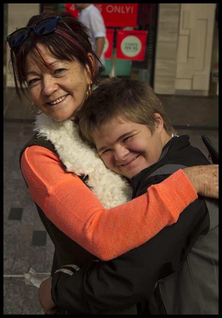 Ben finds a friend in Brisbane Mall-1=