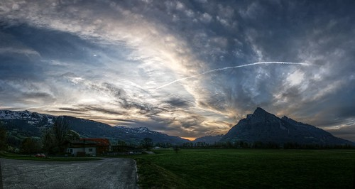 sunset sky mountains alps clouds schweiz switzerland spring suisse dusk ostschweiz svizzera rheintal rhinevalley sargans gonzen