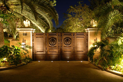 pintu gerbang rumah mewah images
