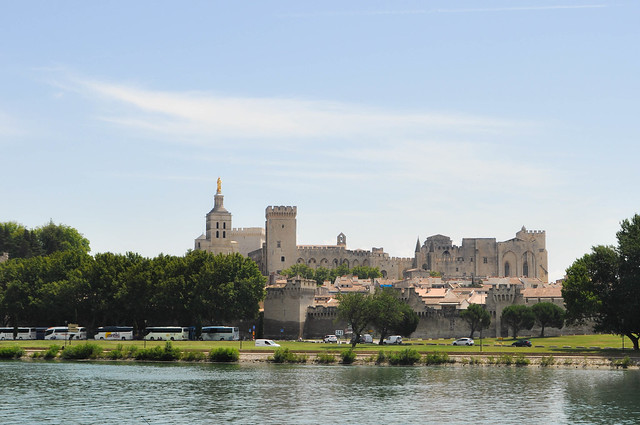 the great wall of avignon