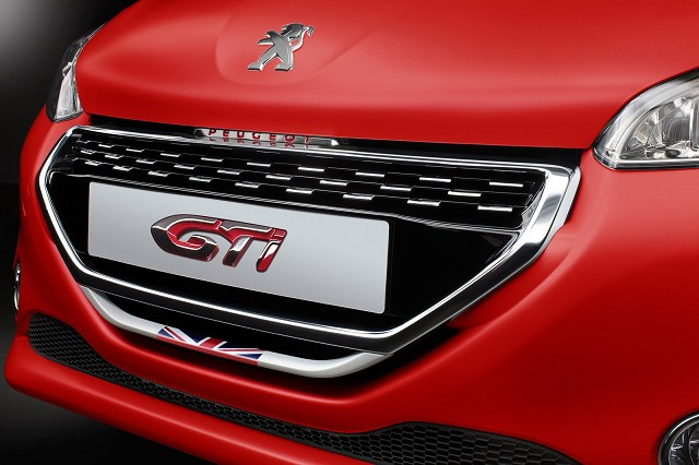 Peugeot-208-GTI-30th-anniversary-1[4]