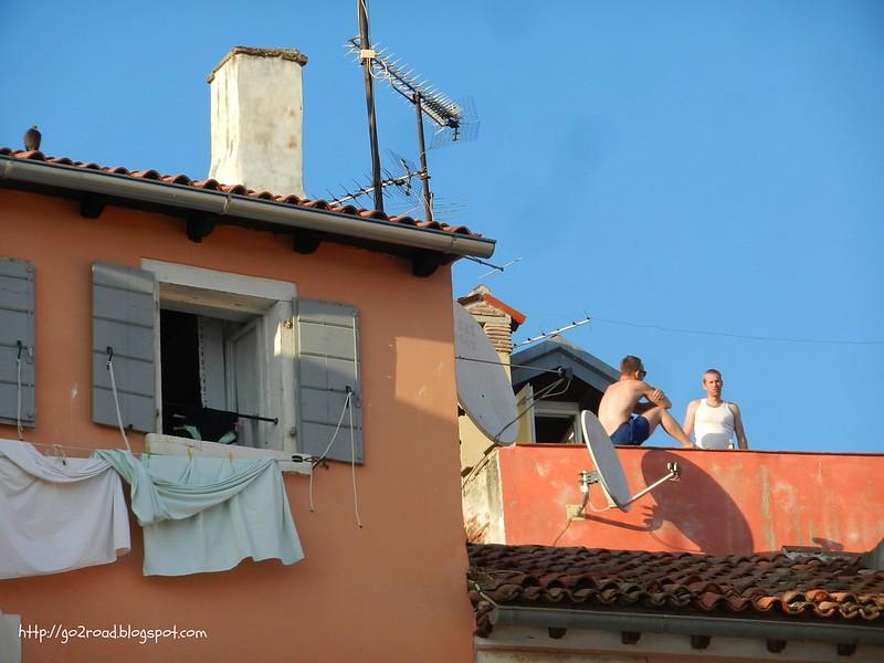 Карлсон на крыше?