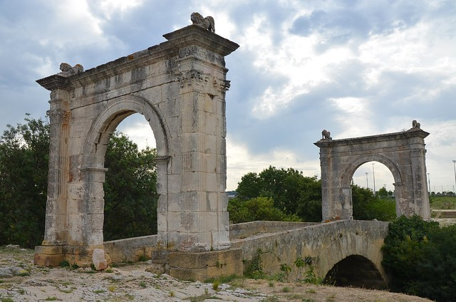 Pont Flavien,  late 1st century BC Roman bridge across the River Touloubre in Saint-Chamas, France