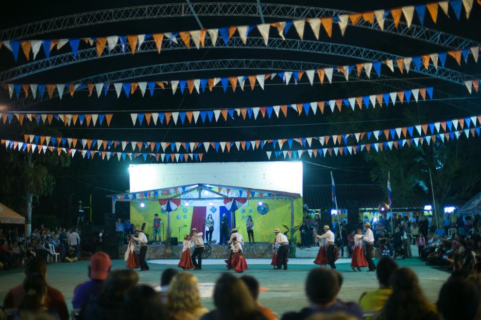 En el tradicional club Emiliano R. Fernández se realizaban distintos bailes y juegos típicos durante el festejo de San Juan. (Tetsu Espósito)