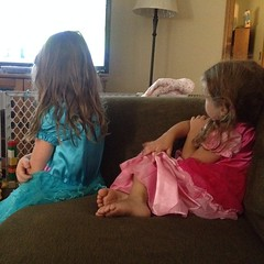 They needed their #princess dresses to watch #sophiathefirst