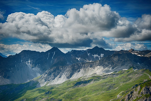 blue sky cloud mountain berg clouds switzerland himmel wolke wolken berge moutains hdr arosa blauer graubünden graubuenden grison grischun d700 grishun