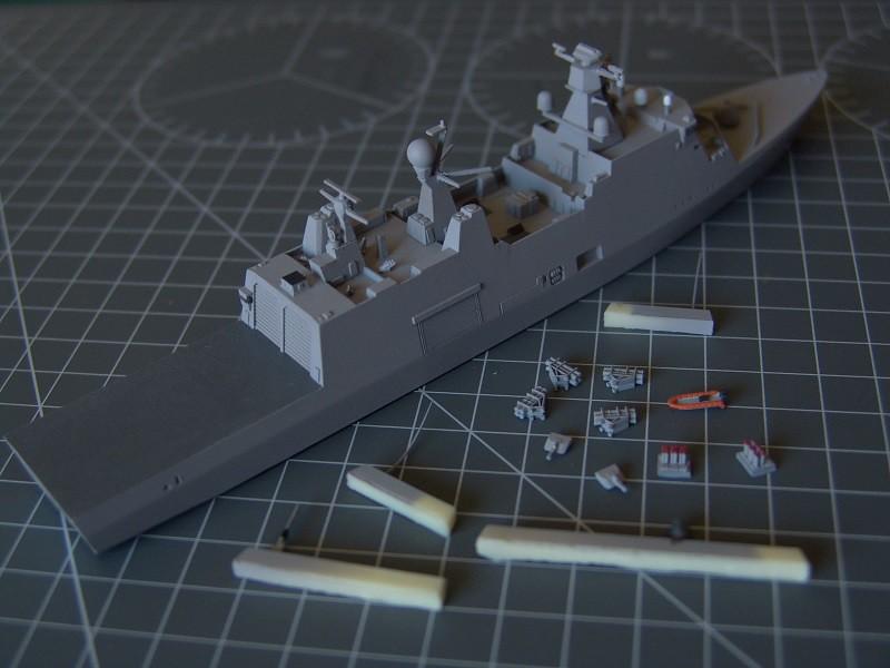 HDMS Absalon L-16  Navire de Soutien Multifonctions - NNT 1/700 14691763300_49cd18a1fd_b
