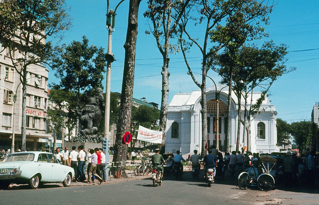SAIGON 1971 - Lam Son Square