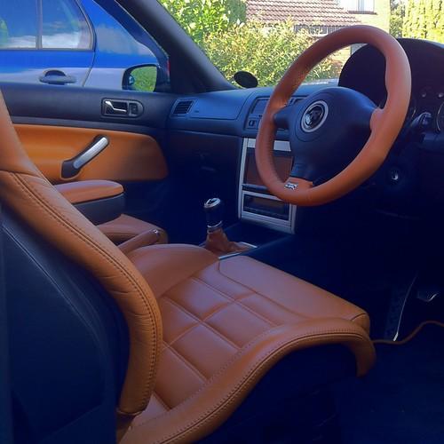 R32 interior mk4