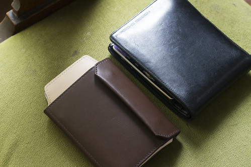 iPhoneも入る財布_03