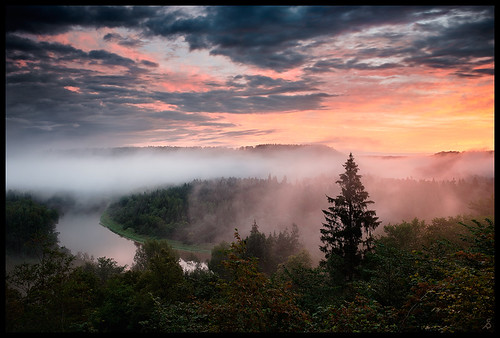 morning mist nature fog clouds sunrise river landscape latvia latvija gauja gaujanationalpark gaujasnacionālaisparks nikonafs28mmf18g nikond610 siguld ķeizarskats