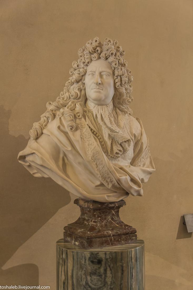 Louvre-89