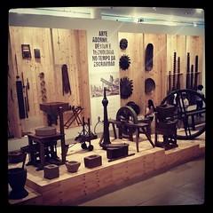 Arte, adorno, design e tecnologia no tempo da escravidão.