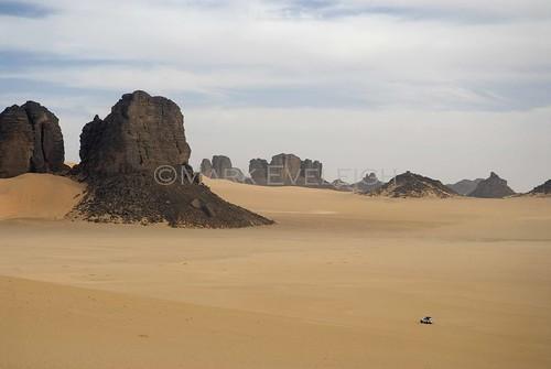 africa travel tourism sahara algeria tour desert offroad 4x4 african dune safari international journey maghreb algerian tamanrasset saharan djanet tassilinajjer tamanrassetprovince