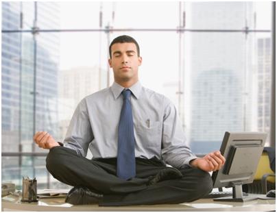 Lời khuyên giúp người bệnh run chân tay thực hiện công việc thường ngày