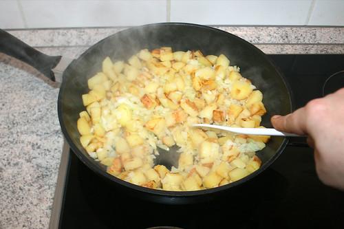 62 - Zwiebeln unterheben / Stir in onions