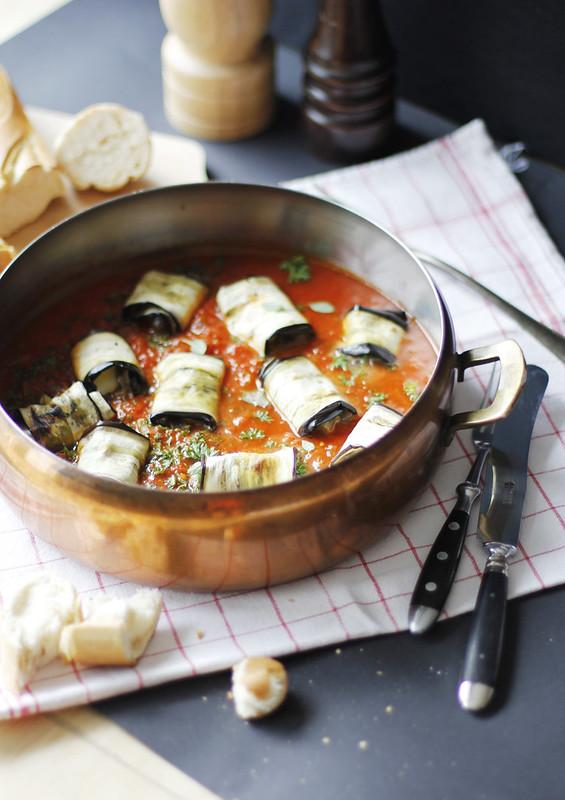 _MG_6242 Rollitos de berenjena con mozarrella y  salsa de tomates casera