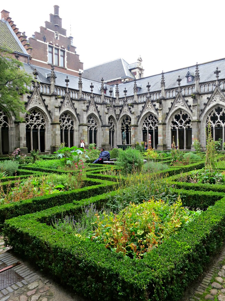 Pandhof Courtyard, Utrecht