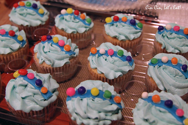 baby rattle cupcakes 2