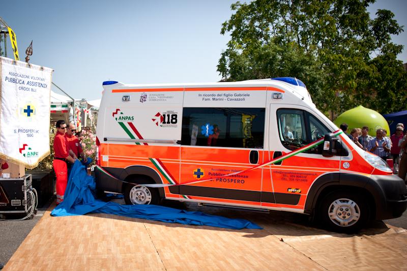 San Prospero: l'inaugurazione della nuova ambulanza della Croce Blu