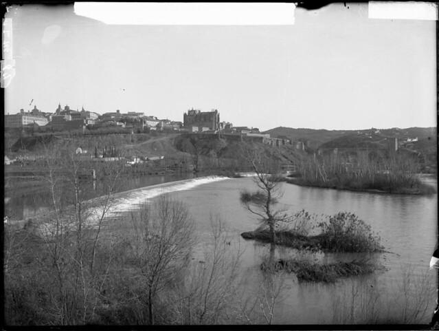 Río Tajo desde Azumel a comienzos del siglo XX. Fotografía de J. Lacoste © MECD, Fototeca del IPCE, signatura VN-22692_P