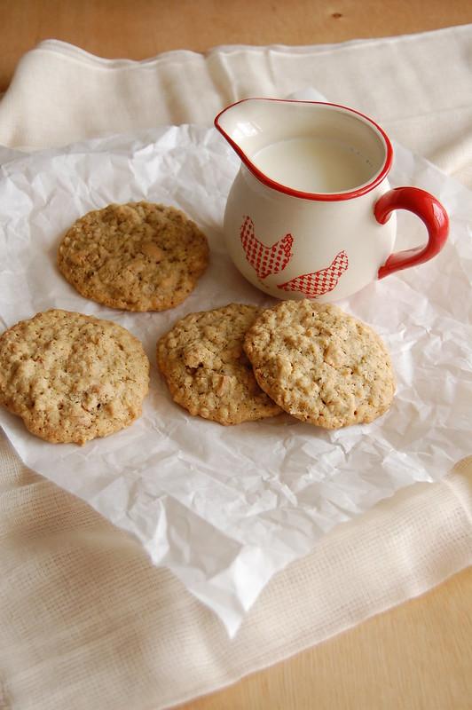 Cashew oatmeal cookies / Cookies de aveia e castanha de caju