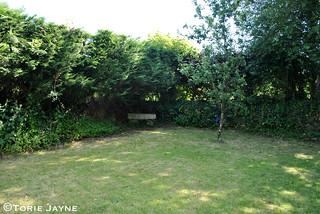 Rose Cottage side garden