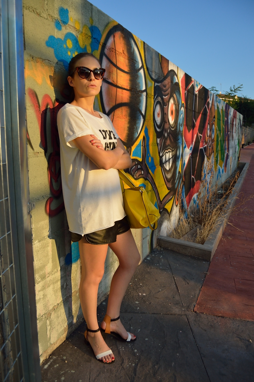 lara-vazquez-madlula-fashion-style-blog-look-black-white-attire