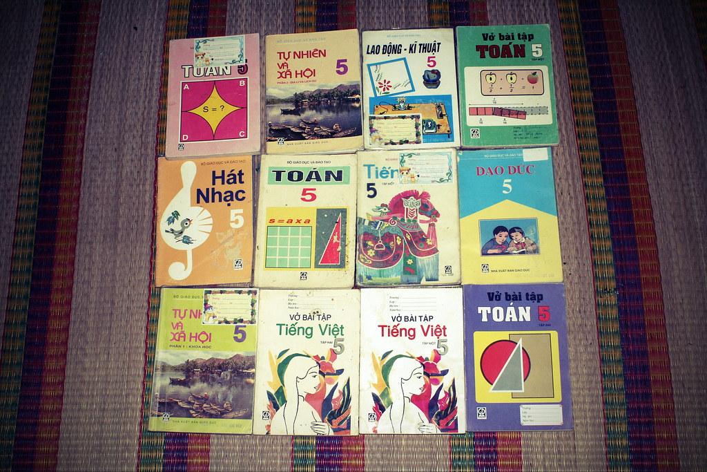 Sách giáo khoa tiểu học cũ - nơi lưu giữ từng trang ký ức 14705498357_3eedea17ec_b