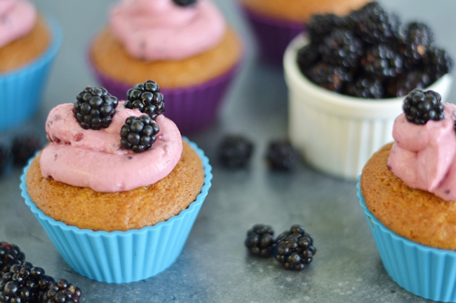 Backen mit Eugli Brombeer Cupcakes (3)