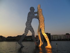 Berlin: Molecule Man