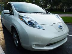 automobile, vehicle, nissan leaf, electric car, city car, nissan, bumper, land vehicle,