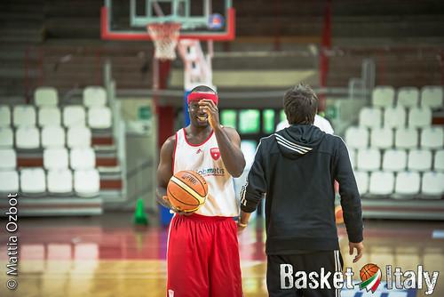 raduno pallacanestro varese