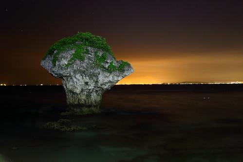 花瓶岩夜景