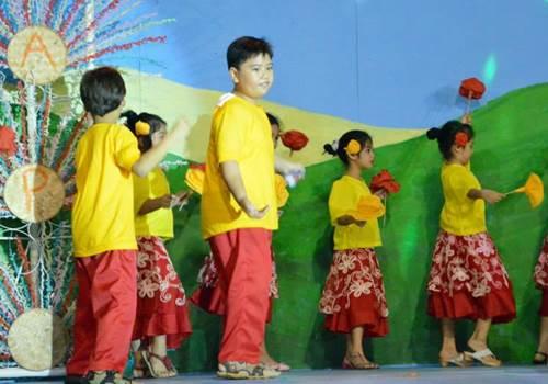 Linggo-ng-Wika-dance-Capiz,Buwan-ng-Wika-costume-activity