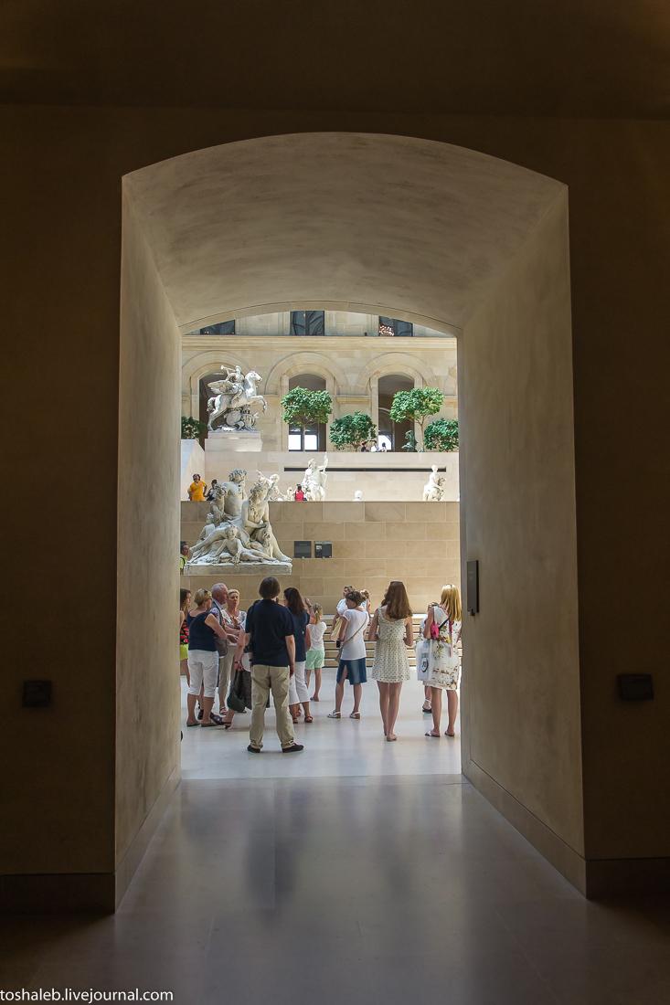 Louvre-90
