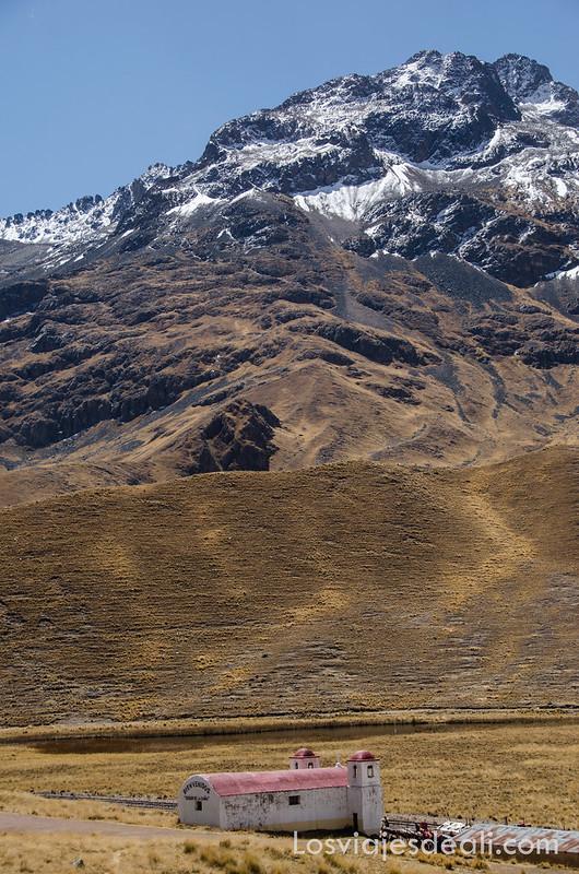La Raya en ruta Sillustani y Raqchi