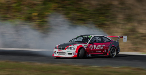 https://www.twin-loc.fr Championnat Européen de DRIFT – Bordeaux Mérignac Gironde 13 et 14 septembre 2014 – BMW M3 – Moteur Engine Puissance Power Car Speed Vitesse – Picture Image Photography – King of Europe KOE turbo oil huile frein brake transmissi